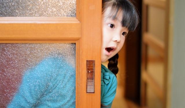 探偵 浮気について 子供の写真